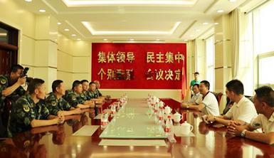 """莱尔斯特与数名爱心企业家走进边防军区共度""""八一建军节"""""""
