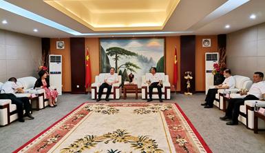 厦门市委常委、统战部部长张毅恭一行莅临莱尔斯特企业考察调研